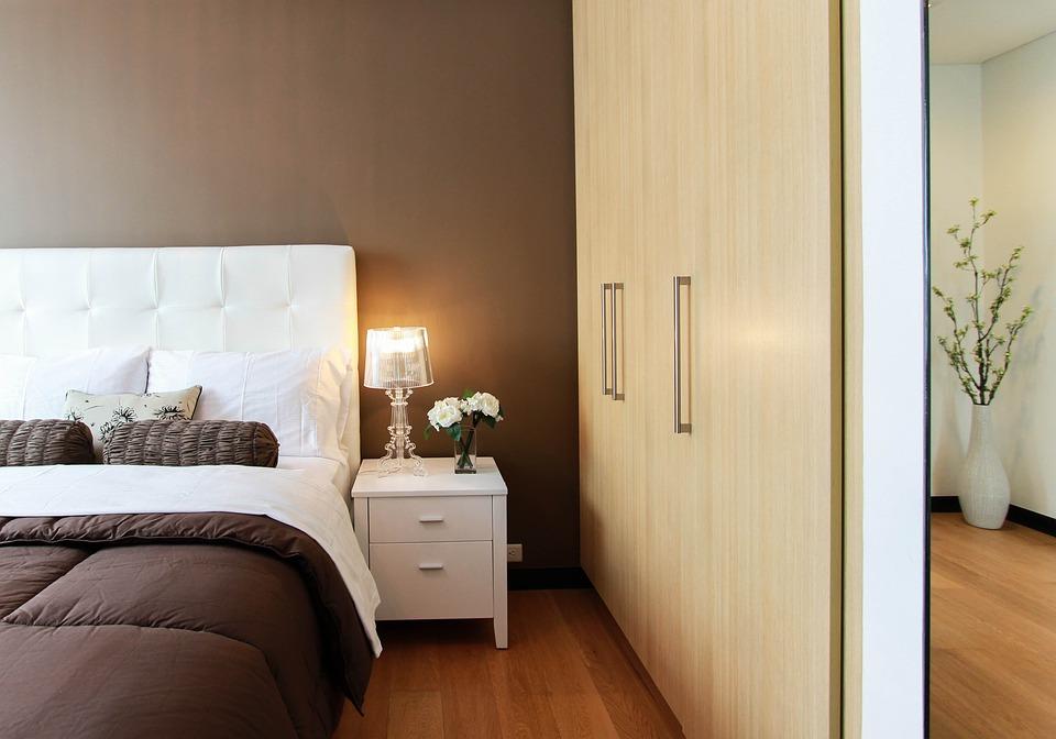 Cómo amueblar un dormitorio: ideas para elegir el cabecero